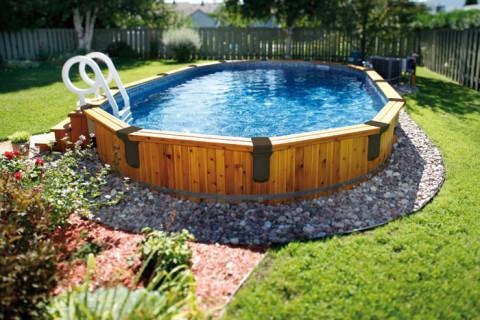 Comment entretenir une piscine dans son jardin ?